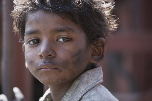 sunny_pawar_as_saroo_bierley_in_the_film_22lion22_2